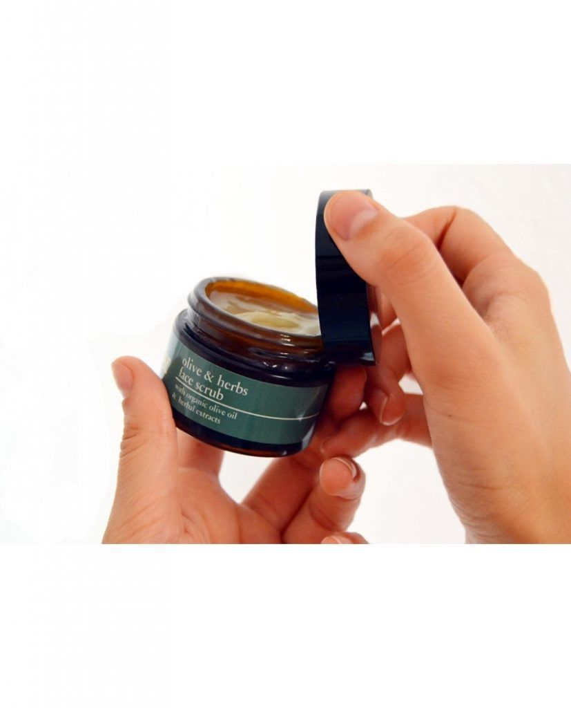 Olive & Herbs Face Scrub textura